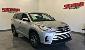 2017_Toyota_Highlander_LE_ Decatur AL