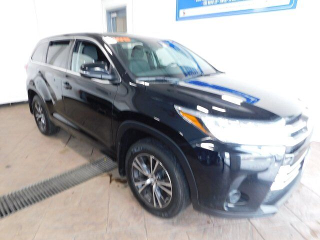 2017 Toyota Highlander LE Listowel ON