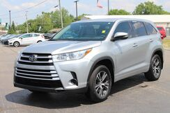 2017_Toyota_Highlander_LE Plus_ Fort Wayne Auburn and Kendallville IN