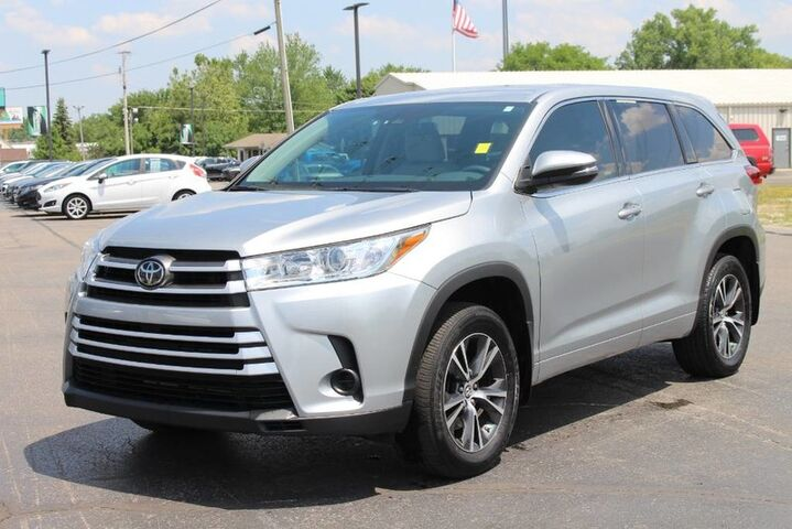 2017 Toyota Highlander LE Plus Fort Wayne Auburn and Kendallville IN