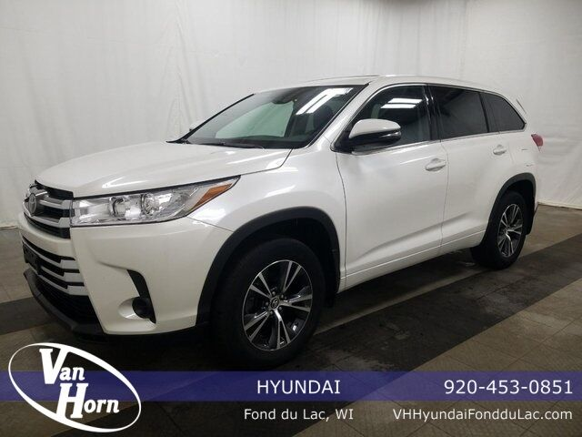 2017 Toyota Highlander LE Plymouth WI