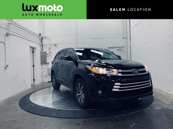 2017_Toyota_Highlander_XLE AWD 7-Passenger Backup Camera_ Salem OR
