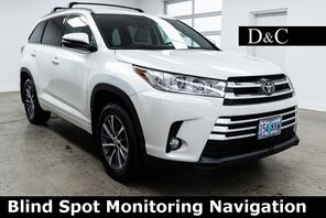 2017_Toyota_Highlander_XLE Blind Spot Monitoring Navigation_ Portland OR
