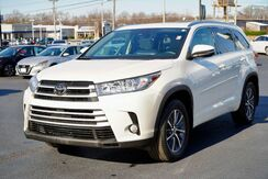 2017_Toyota_Highlander_XLE_ Fort Wayne Auburn and Kendallville IN