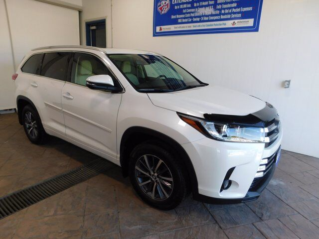 2017 Toyota Highlander XLE LEATHER NAVI SUNROOF Listowel ON