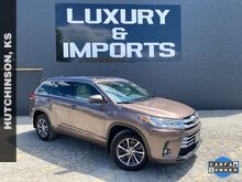2017_Toyota_Highlander_XLE_ Leavenworth KS