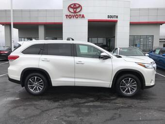 2017_Toyota_Highlander_XLE V6 AWD_ Richmond KY