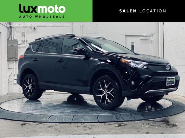 2017_Toyota_RAV4_AWD SE JBL Audio Blind Spot Monitor_ Portland OR
