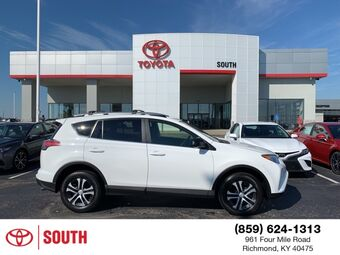 2017_Toyota_RAV4_LE_ Richmond KY
