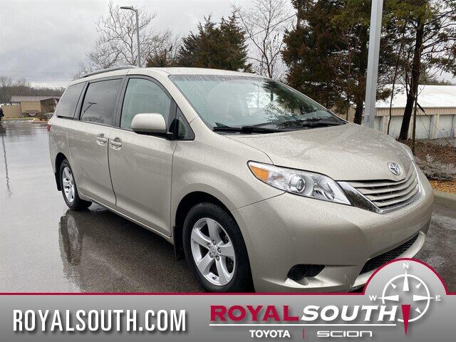 2017 Toyota Sienna LE 8 Passenger Bloomington IN
