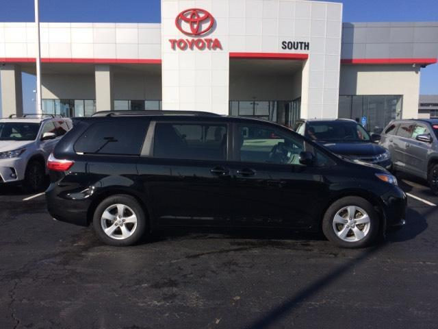 2017 Toyota Sienna LE Auto Access Seat FWD 7-Passenger Richmond KY