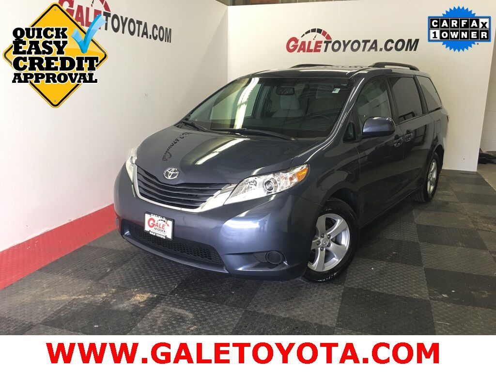 2017 Toyota Sienna LE Enfield CT