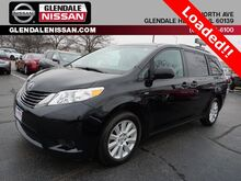 2017_Toyota_Sienna_LE_ Glendale Heights IL
