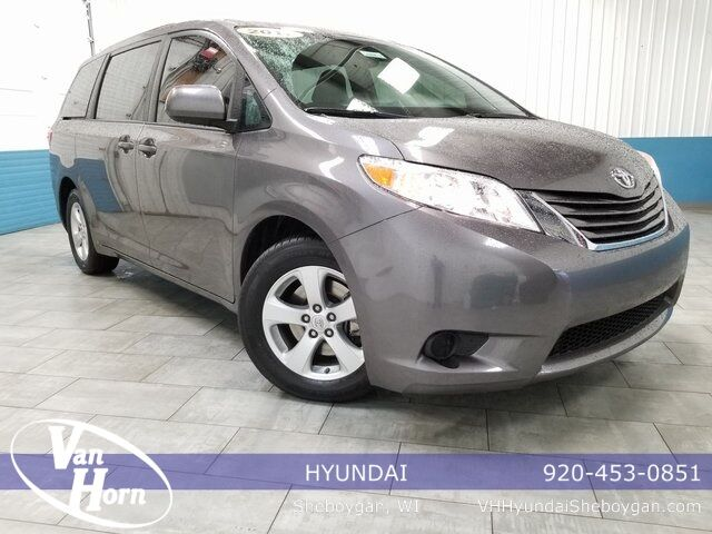 2017 Toyota Sienna LE Plymouth WI
