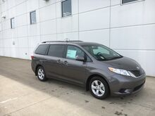 2017_Toyota_Sienna_LE W/ HEATED LEATHER_ Lafayette IN