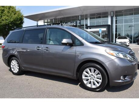 2017_Toyota_Sienna_Limited_ Medford OR