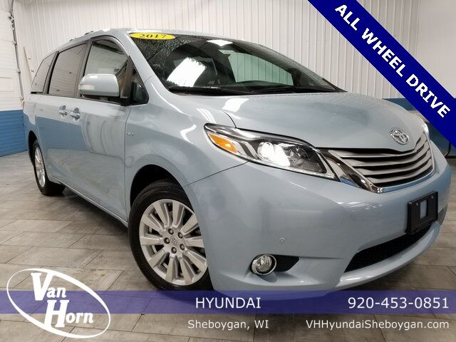 2017 Toyota Sienna Limited Premium Plymouth WI