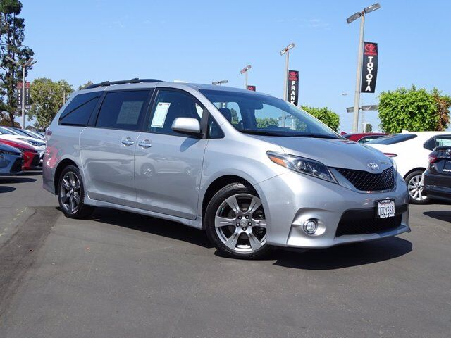 2017 Toyota Sienna SE National City CA