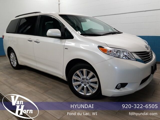 2017 Toyota Sienna XLE Plymouth WI
