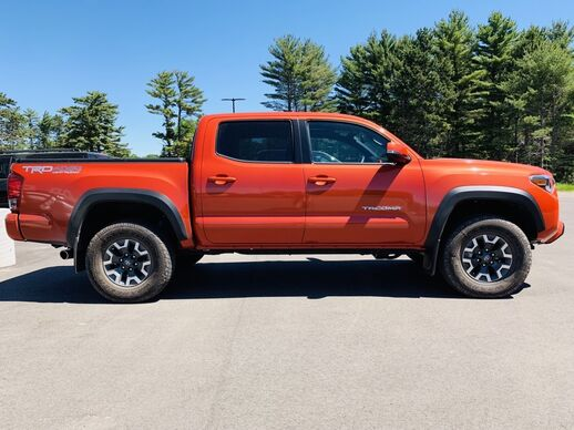 2017_Toyota_Tacoma_4x4 Double Cab TRD Offroad_ Fond du Lac WI