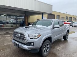 2017_Toyota_Tacoma Double Cab_TRD Sport V6 4WD_ Cleveland OH