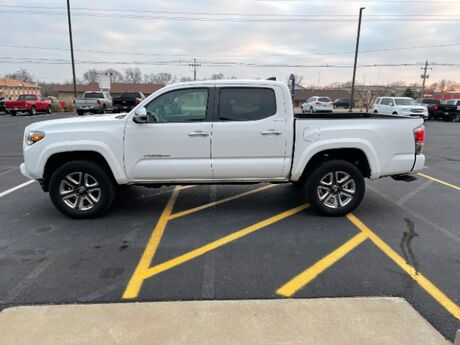 2017 Toyota Tacoma Limited Double Cab V6 6AT 4WD Jacksonville IL