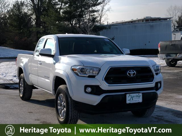 2017 Toyota Tacoma SR5 Access Cab 6' Bed V6 4x4 AT