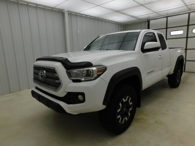 2017 Toyota Tacoma SR5 Access Cab 6' Bed V6 4x4 Manhattan KS