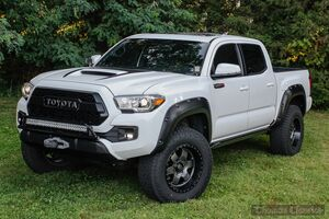 2017_Toyota_Tacoma_TRD Off Road_ Akron OH