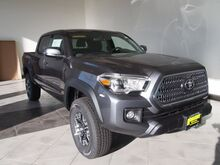 2017_Toyota_Tacoma_TRD Off-Road_ Epping NH