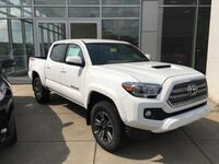 Toyota Tacoma TRD Sport Double Cab 5' Bed V6 4x4 MT 2017