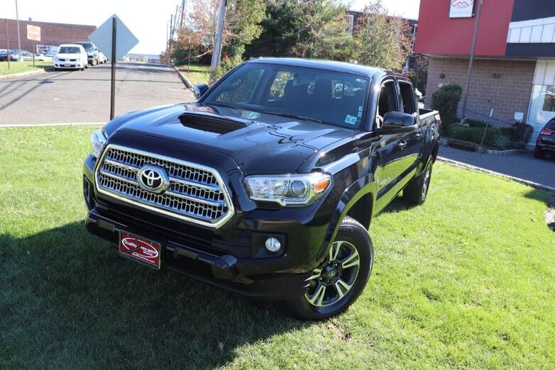 2017 Toyota Tacoma TRD Sport Package Tow Package Bed Liner Springfield NJ