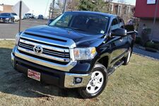 2017 Toyota Tundra 4WD SR5 Bed Liner Running Boards Tow Hitch