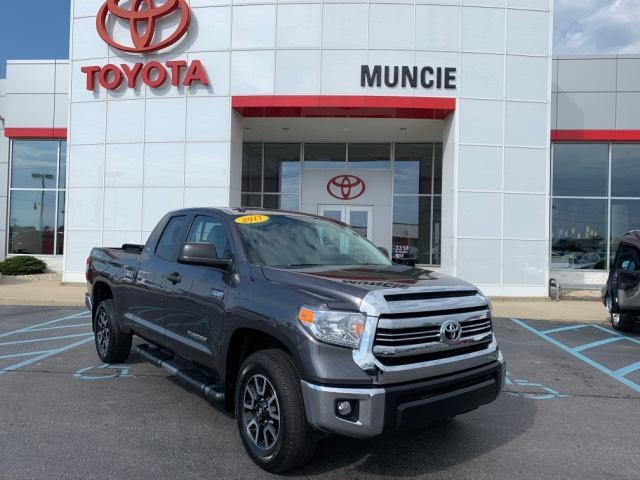 2017 Toyota Tundra 4WD SR5 Double Cab 6.5' Bed 5.7L FFV Muncie IN
