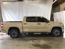 2017_Toyota_Tundra_SR5 5.7L V8 FFV CrewMax 4WD_ Middletown OH