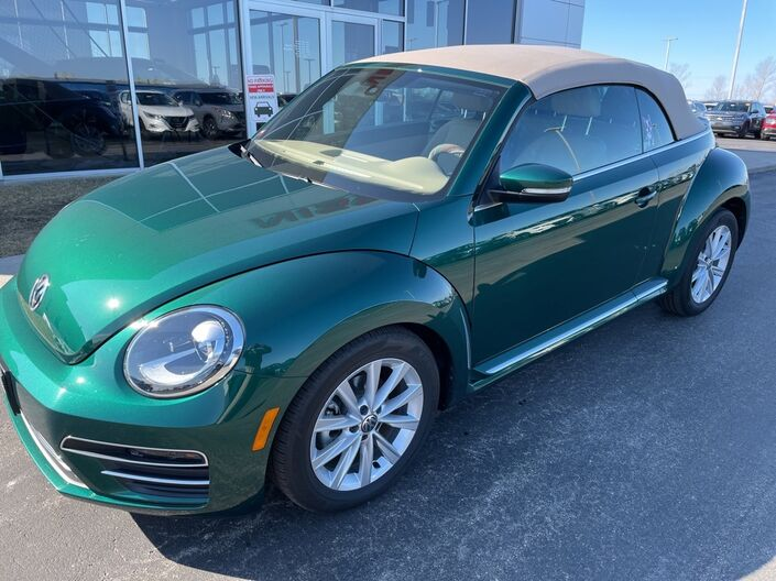 2017 Volkswagen Beetle 1.8T SE Sheboygan WI