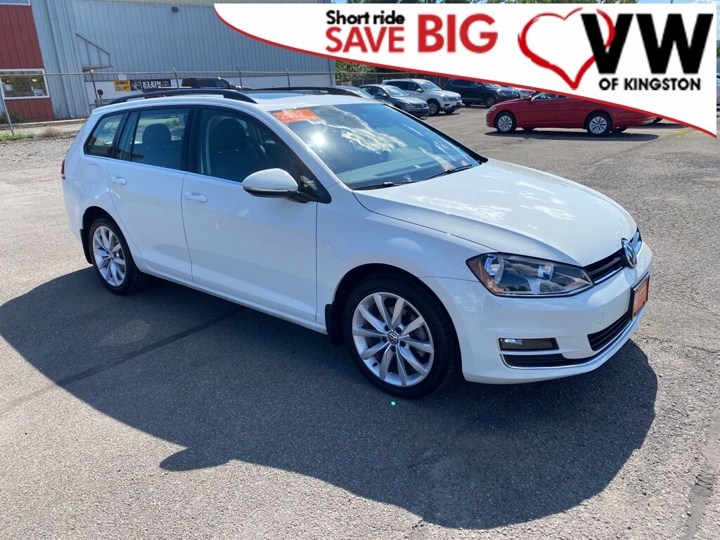 2017_Volkswagen_Golf SportWagen_SE_ Kingston NY