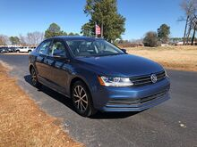 2017_Volkswagen_Jetta_4d Sedan SE Auto_ Virginia Beach VA