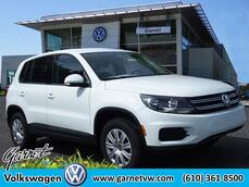 Volkswagen Tiguan Limited 2.0T Limited FWD 2017