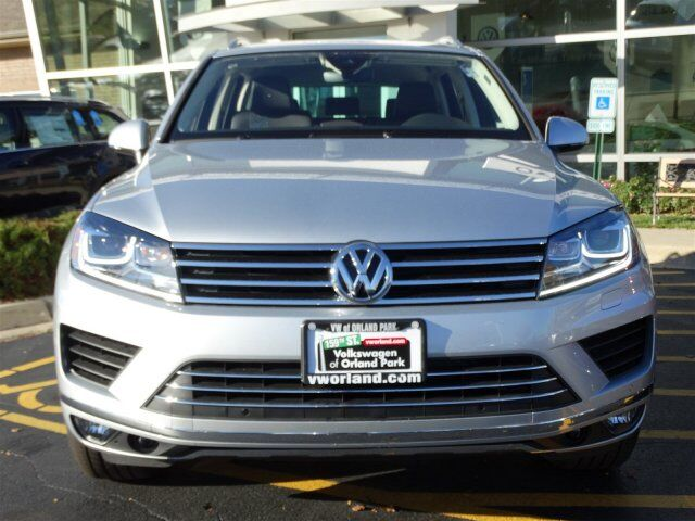 2017 Volkswagen Touareg Sport with Technology Orland Park IL