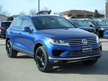 2017_Volkswagen_Touareg_Wolfsburg Edition_ Normal IL