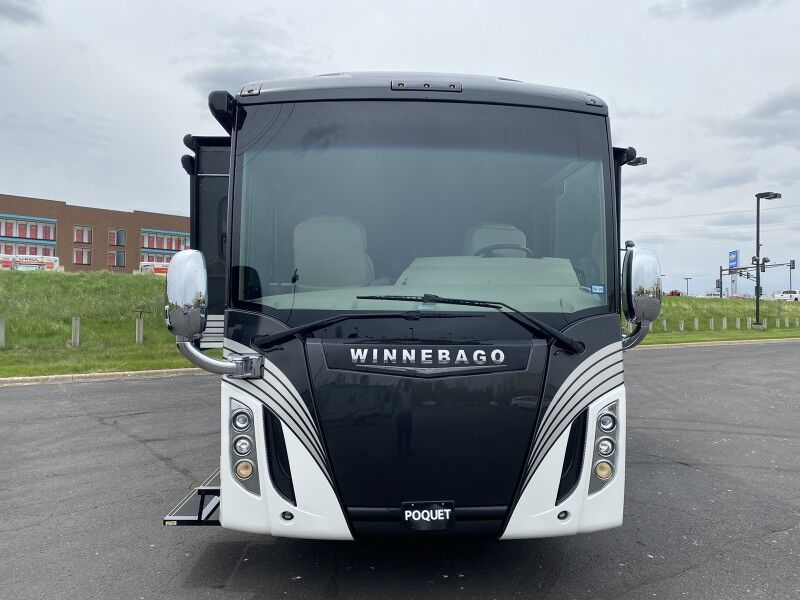 2017 Winnebago Ellipse 42QD Lakeville MN