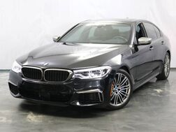 2018_BMW_5 Series_M550i / 4.4L Twinpower Turbo V8 Engine / AWD xDrive / Sunroof / Navigation / Parking Aid with Rear View Camera / Harman Kardon Premium Sound System / Push Start_ Addison IL