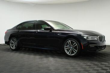 2018_BMW_7 Series_750i M Sport,Pano Roof,Blind Spot,Apple Play,Nav,Camera_ Houston TX