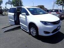 2018_BraunAbility Chrysler_Pacifica_XT Power Foldout_ Anaheim CA