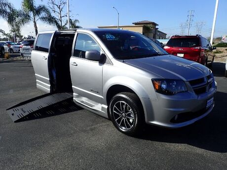 2018 BraunAbility Dodge Grand Caravan R/T w/ Power Foldout Ramp Anaheim CA