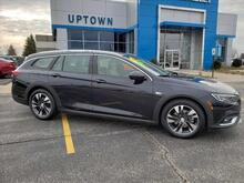 2018_Buick_Regal TourX_Essence_ Milwaukee and Slinger WI