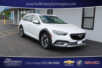 2018_Buick_Regal TourX_Essence_ Cape Girardeau