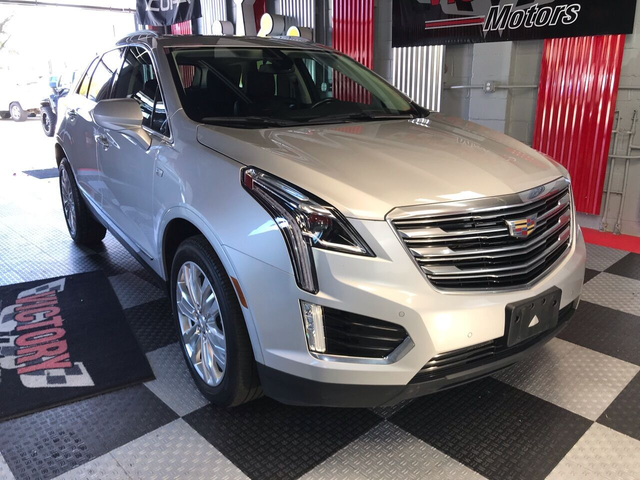 2018 Cadillac XT5 Premium Luxury 4x4 4dr SUV Royal Oak MI