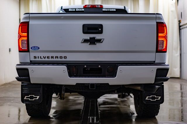 2018 Chevrolet Silverado 1500 4x4 Crew Cab LTZ Z71 4